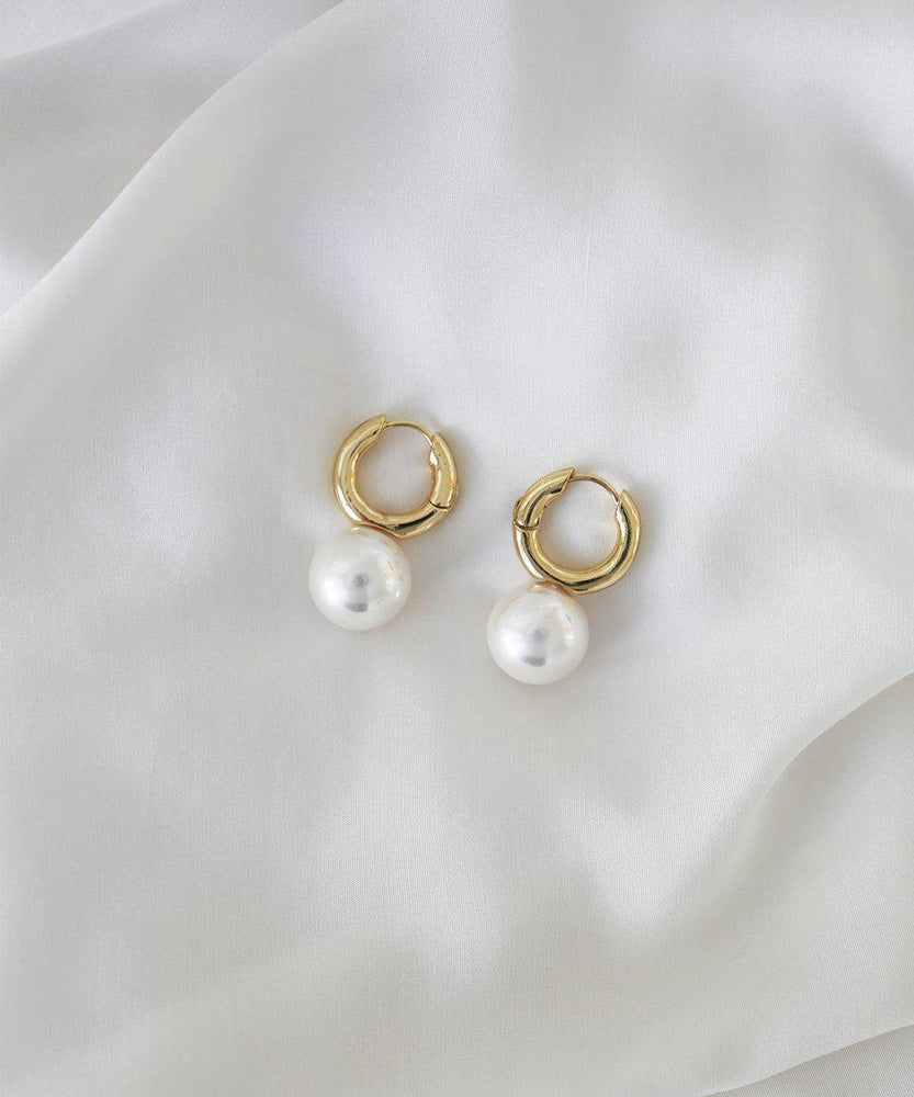 Penelope Pearl Hoops - Gold - earrings - monday merchant