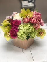 Colorful bundles in a square vase