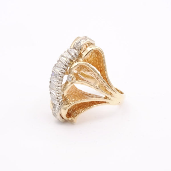 14ky. Gold Diamond Floral Pattern Ring