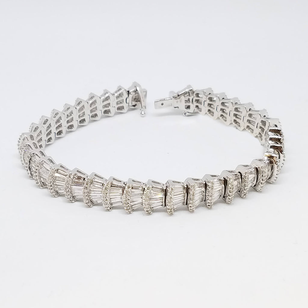 18K White Gold Diamond Stacked Loop Bracelet