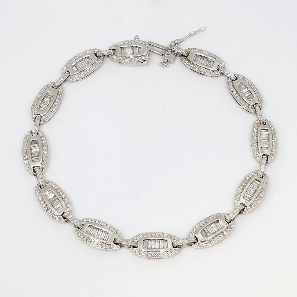 14K White Gold And Diamond Oval Link Bracelet