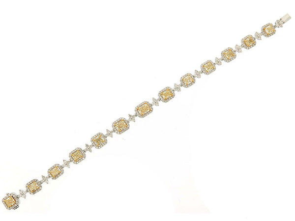 18k White Diamond Bracelet 9.56ctw.