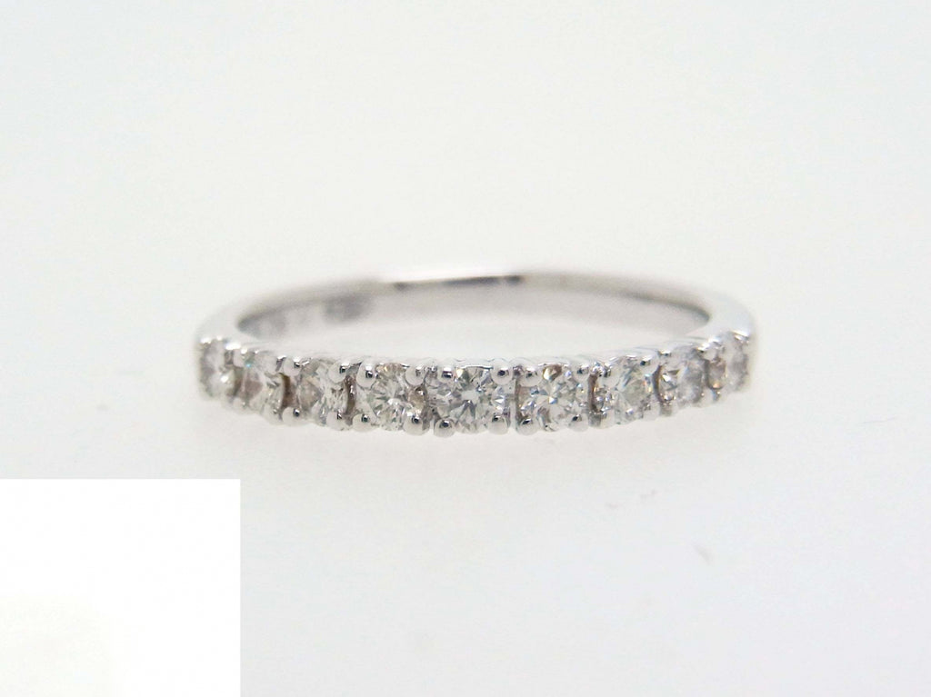 18kw Diamond 0.32 Half Way Ring Band
