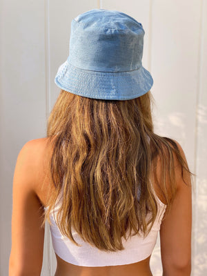 DENIM TYE DYE BUCKET HAT