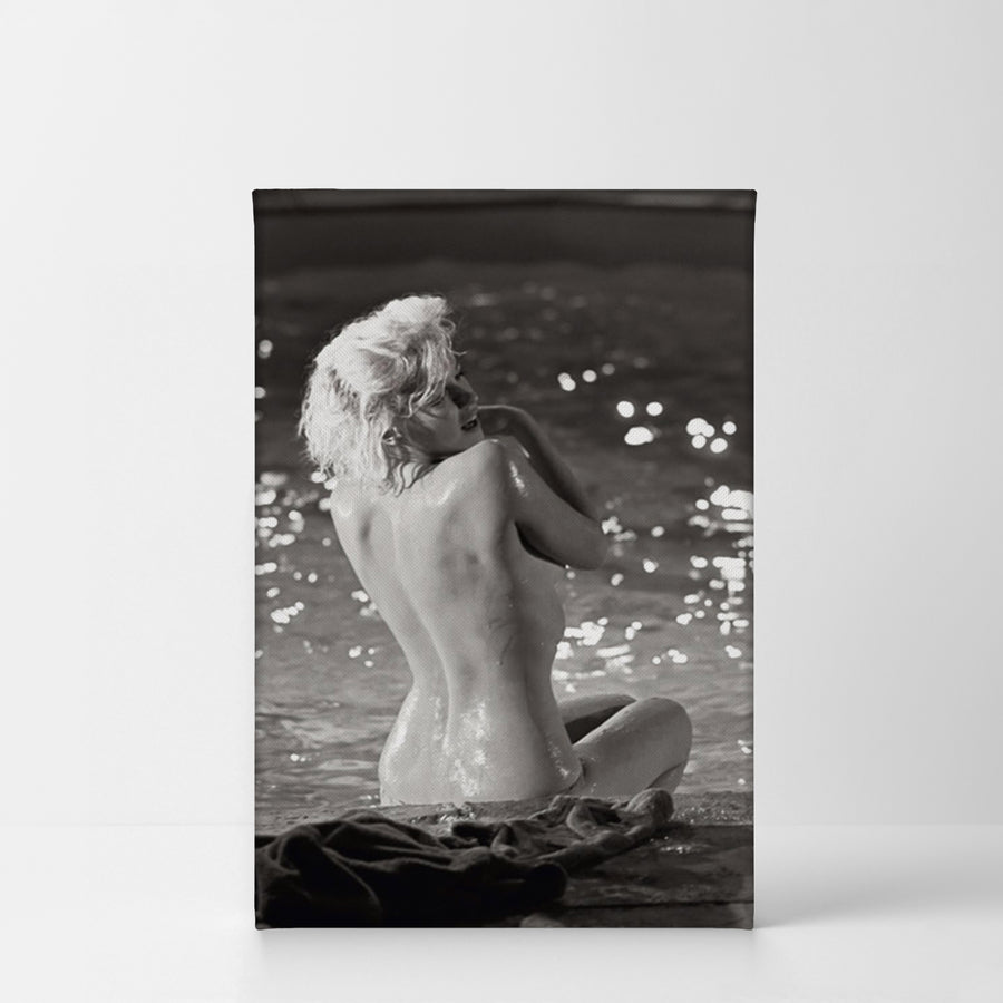 Marilyn Monroe Naked in the Pool Black and White Wall Art Canvas Prints Metal Prints