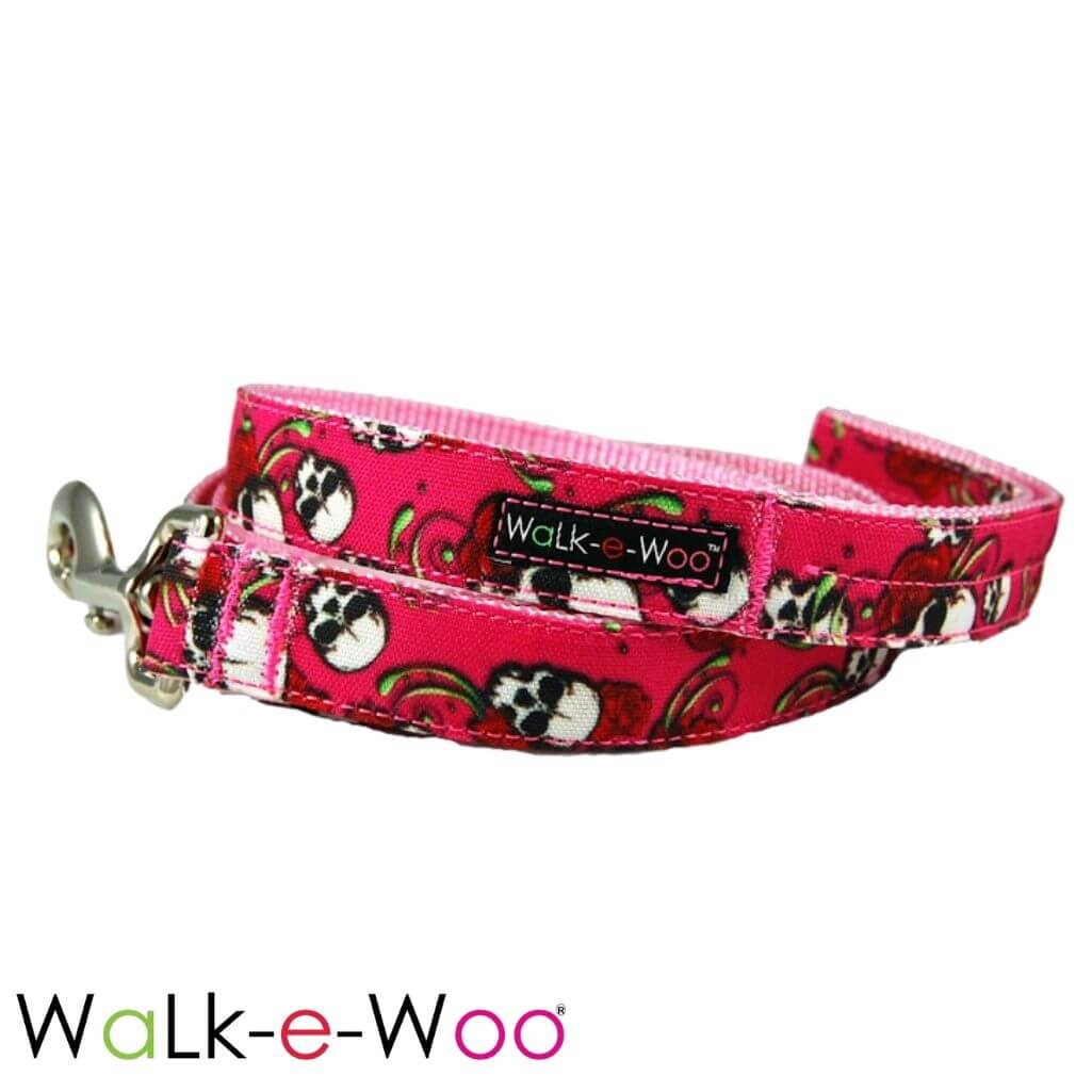 Walk-e-Woo Dog Leash Pink Skulls N' Roses