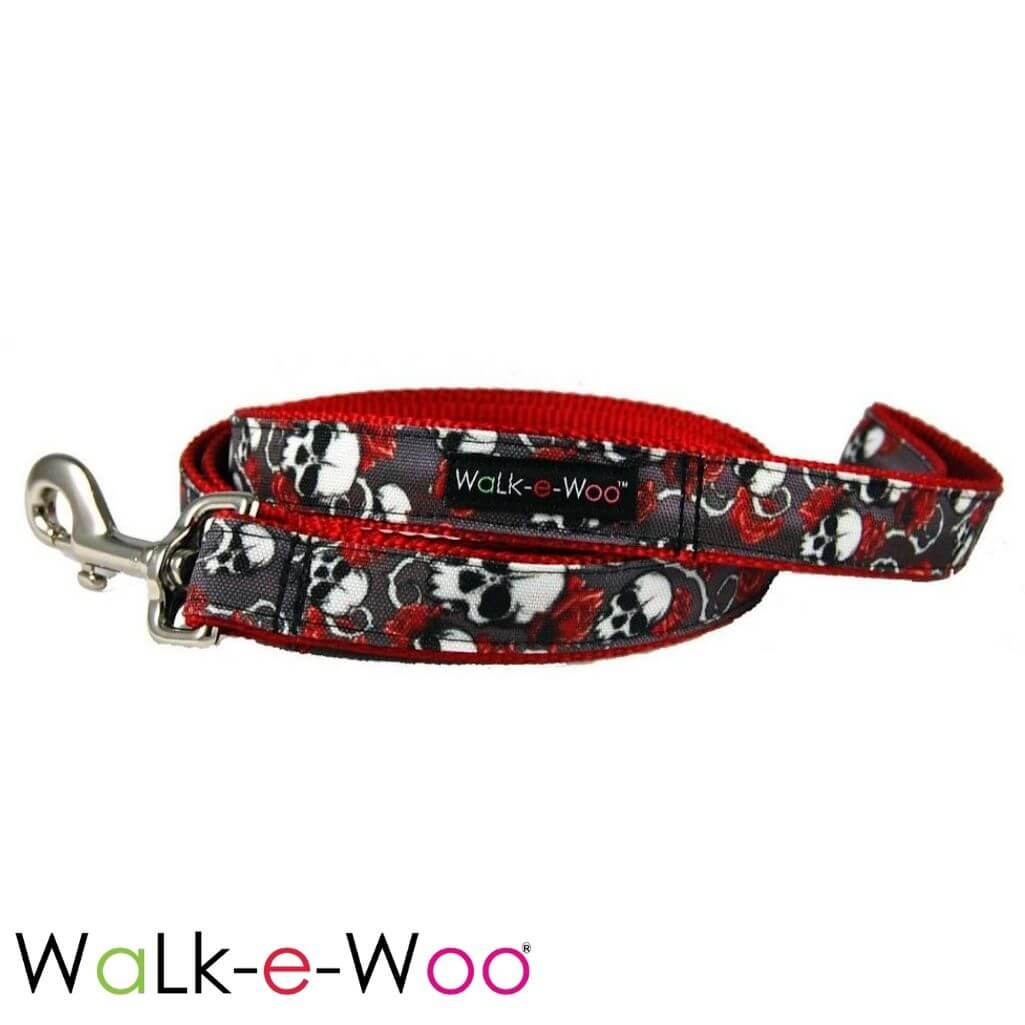 Walk-e-Woo Dog Leash Skulls N' Roses