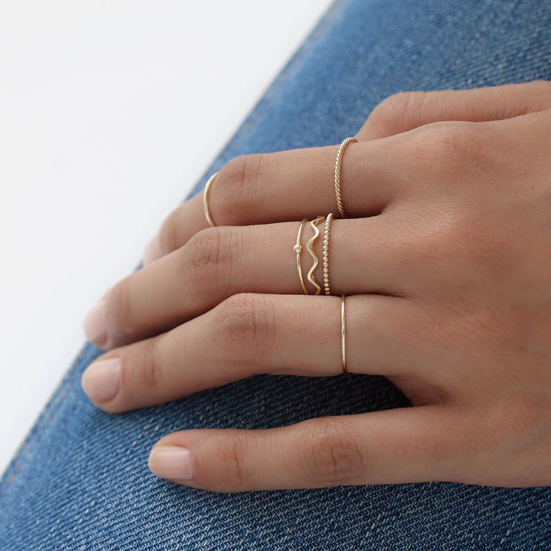 Dainty Wavy Ring- 14K Gold