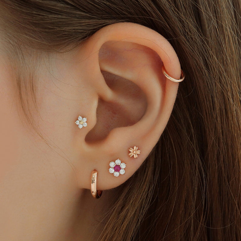 Daisy Flower Cartilage Piercing- 14K Gold