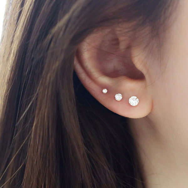 single round cz stud earring in 14k gold