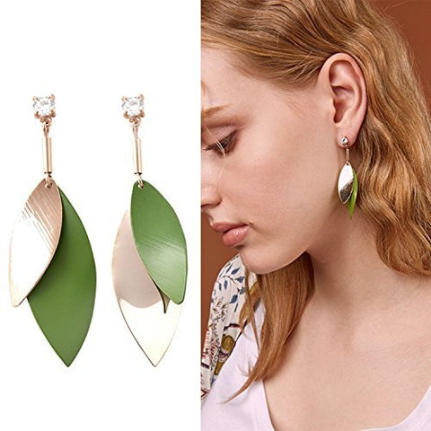 Un-symmetric Chic Green Leaf Dangle Earring