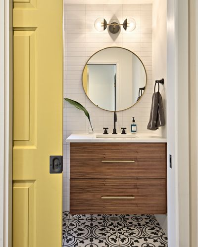How to Keep the Bathroom Organized