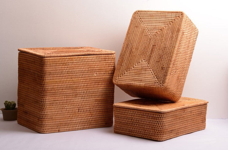 woven basket with lip