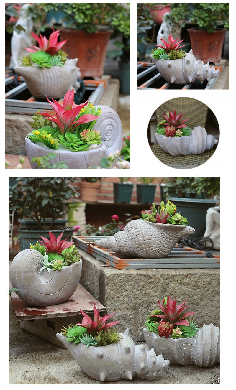 Sea Snail Flower Pot in the Garden, Sea Snail Resin Flower Pot for Garden Ornament, Outdoor Decoration Ideas, Garden Ideas
