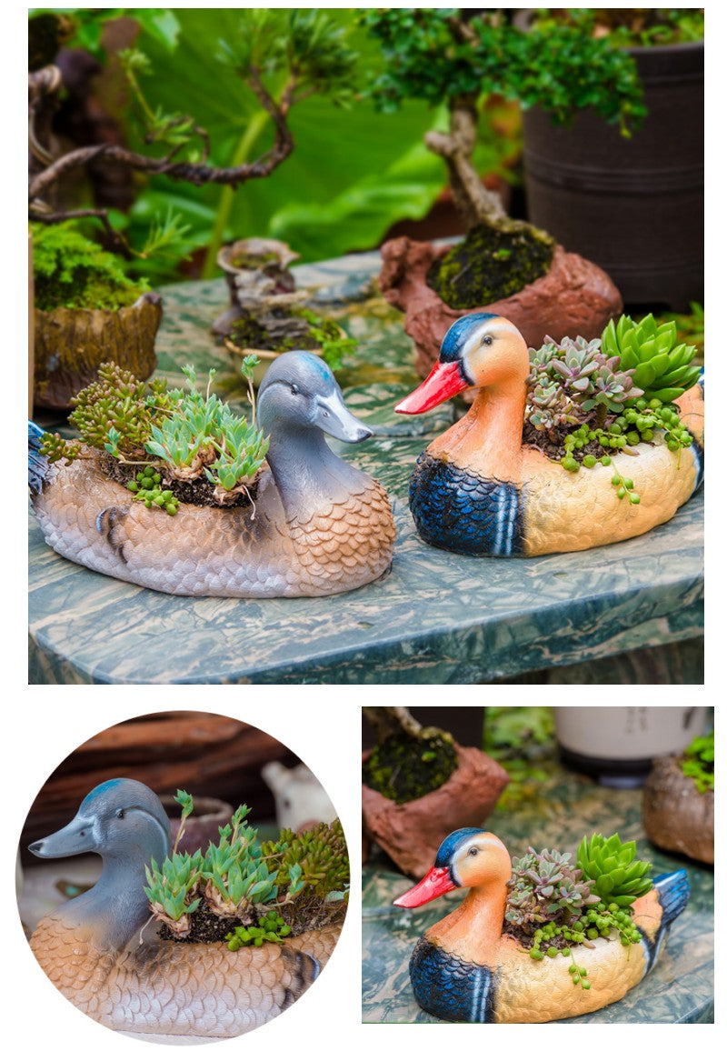 Small Mandarin Duck Flower Pot in the Garden, Bird Resin Flower Pot for Garden Ornament, Outdoor Decoration Ideas, Garden Ideas