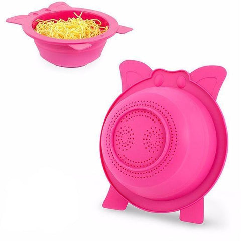 We love this funky pig colander which adds some much needed fun to a normally mundane utensil. Its bright pink and unmistakable characteristics makes this one of our favourite products. Cute and useful, the collapsible colander is a lovely addition to your utensils.