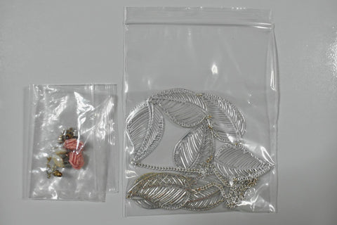 Plastic bag to store jewelry