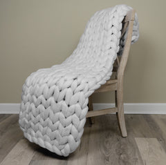 White Knight Large Chunky Knit Throw
