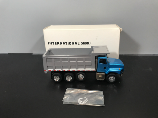 Consignment - International 5600i Dump Truck - Blue
