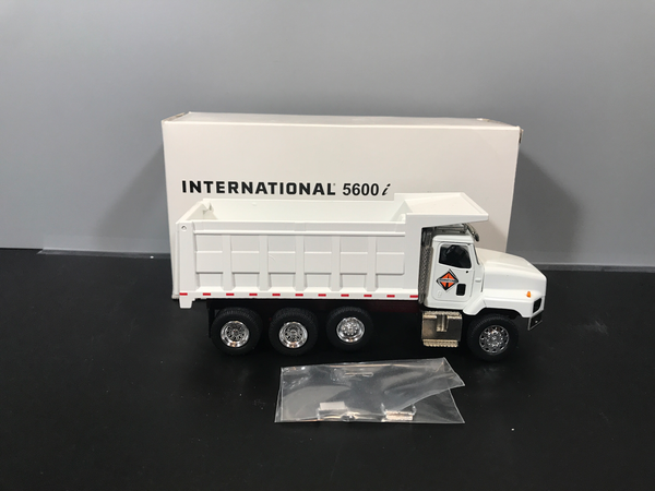 Consignment - International 5600i Dump Truck - White