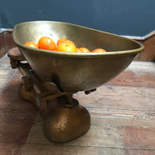 SOLD - Vintage 1930's/40's Avery Grocer Scales