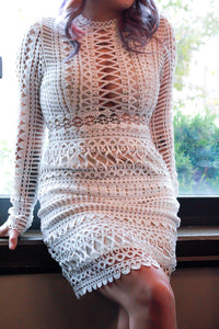 POISED NOISE Guipure Lace Long-Sleeve Dress