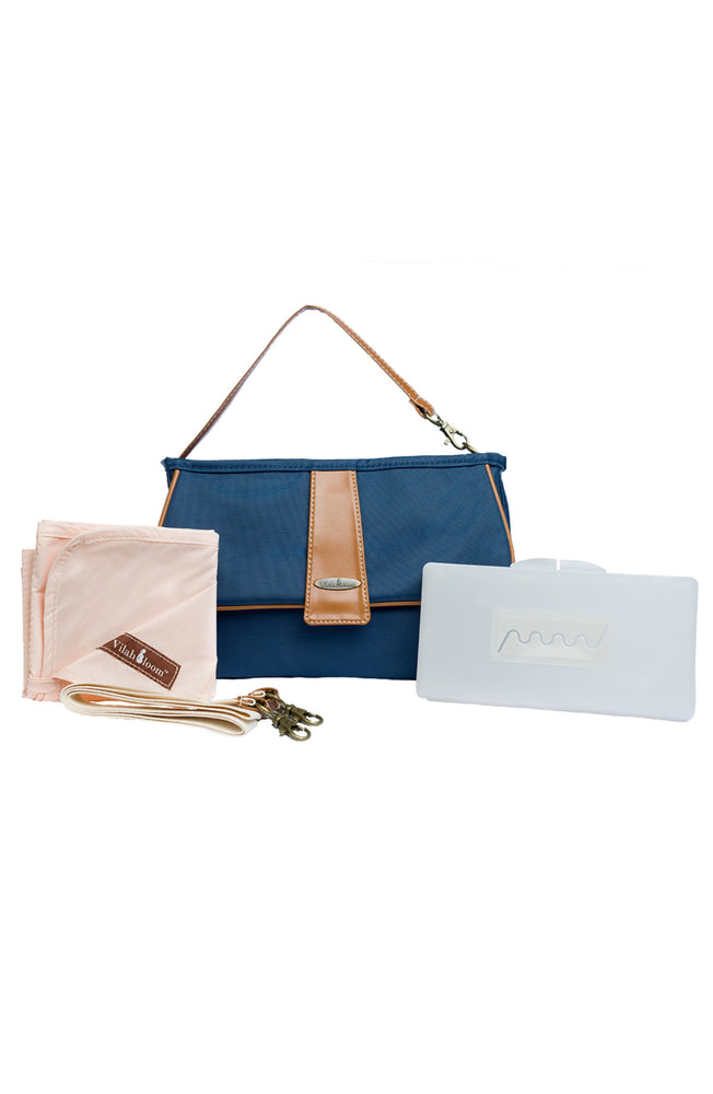 Cottage Clutch in Nantucket Navy lifestyle view