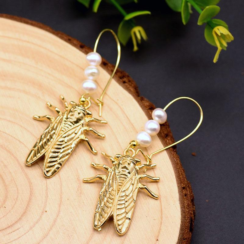 Gold Cicada Dangle Earrings With Pearls earrings Vinty Jewelry