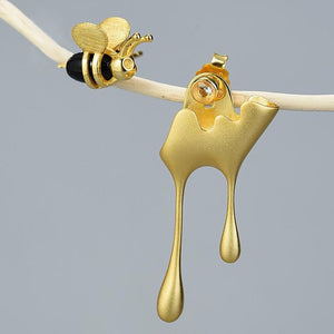 Honey and Bee Mismatched Earrings earrings Vinty Jewelry