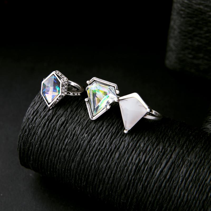 Luxurious 3-Piece Geometric Ring Set ring vintyjewelry