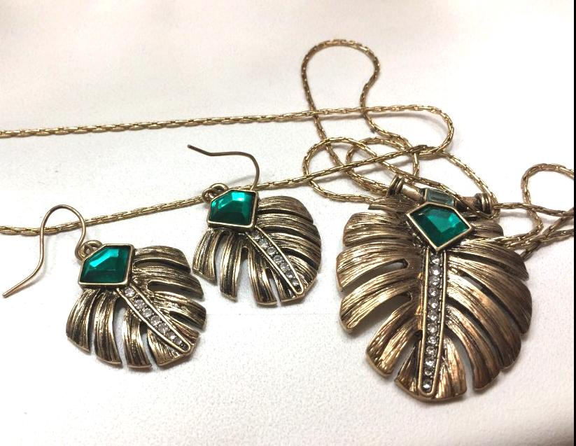Monstera Leaf Emerald Drop Earrings earrings vintyjewelry