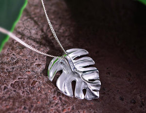 Monstera Leaf Pendant necklace Vinty Jewelry