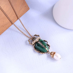 MOTHIES Green Scarab Pendant Necklace necklace Vinty Jewelry