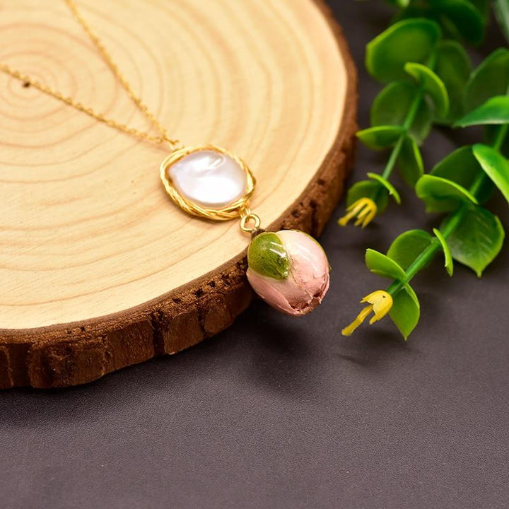 Rose Bud Pendant Necklace necklace Vinty Jewelry