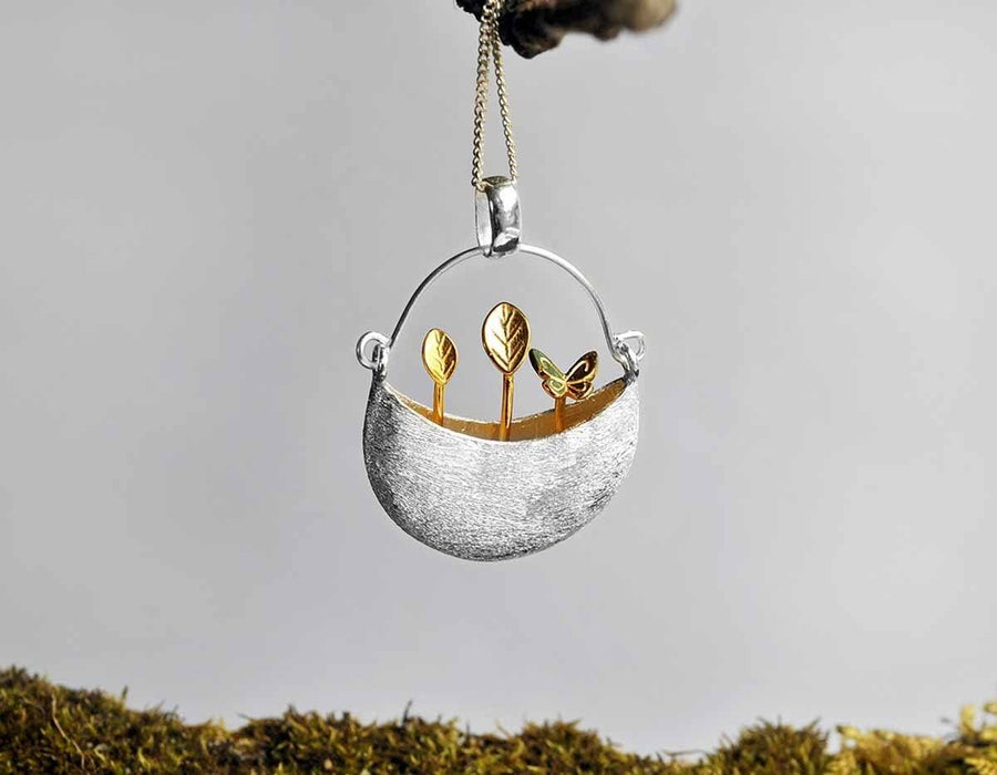 Tiny Garden Bucket Pendant necklace Vinty Jewelry