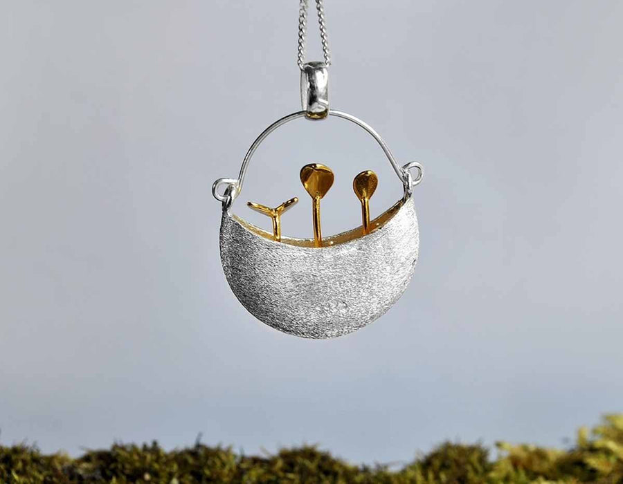 Tiny Garden Bucket Pendant necklace Vinty Jewelry Gold