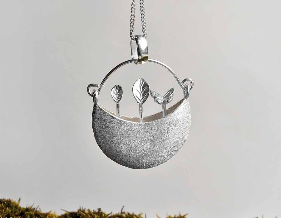 Tiny Garden Bucket Pendant necklace Vinty Jewelry Silver
