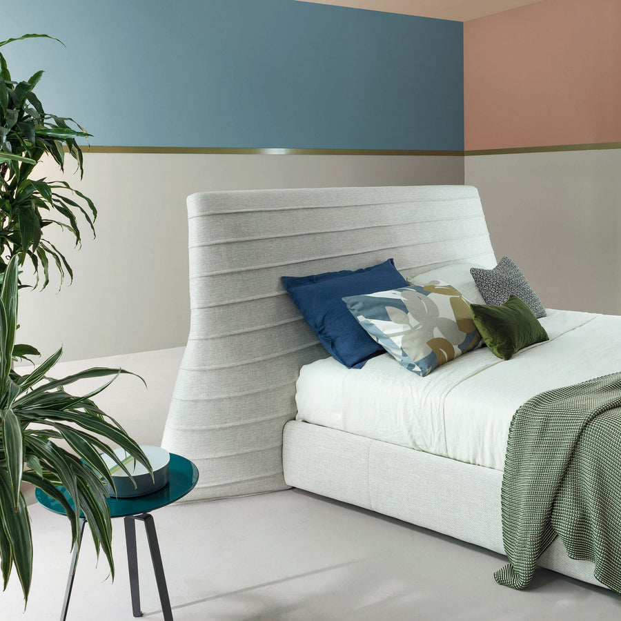 Bonaldo Kenobi Bed, headboard detail
