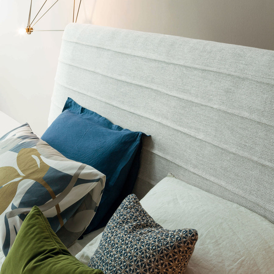 Bonaldo Kenobi Bed, headboard detail 2