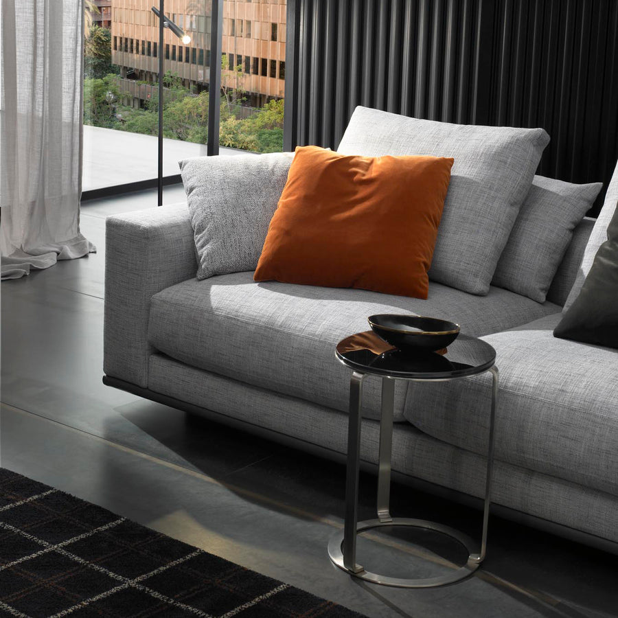 Casadesus Mauro, Modern Sectional Sofa, ambient detail 3 - made in Spain - Spencer Interiors