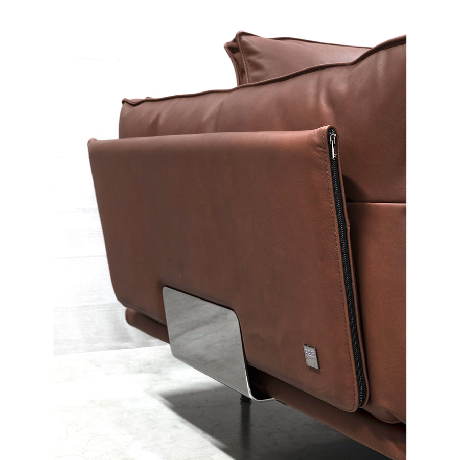 Cierre Divine Sofa in Leather, back support detail  - made in Italy - Spencer Interiors