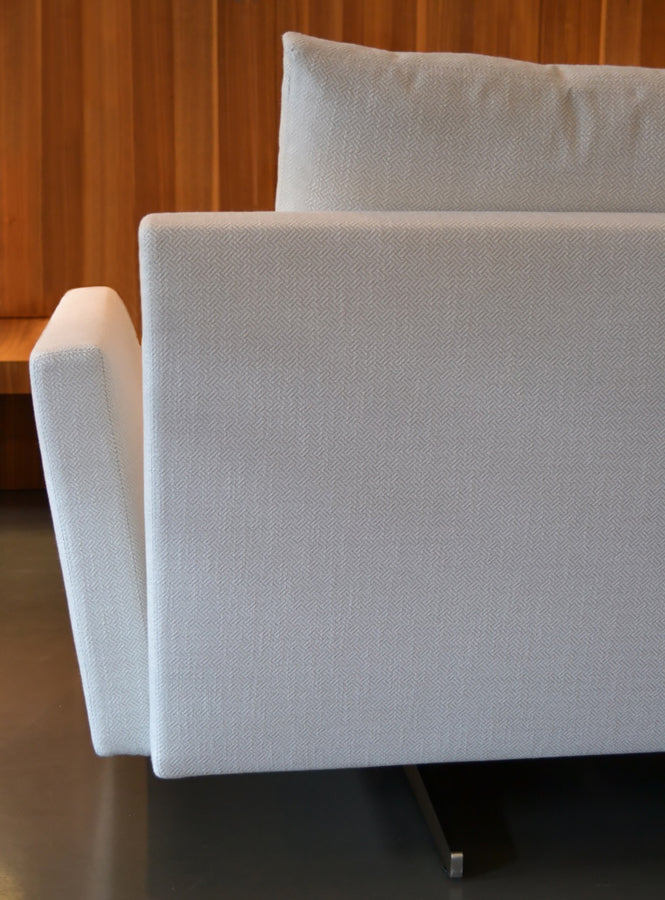 Casadesus Menfis Sofa, ambient 5 - made in Spain - Spencer Interiors