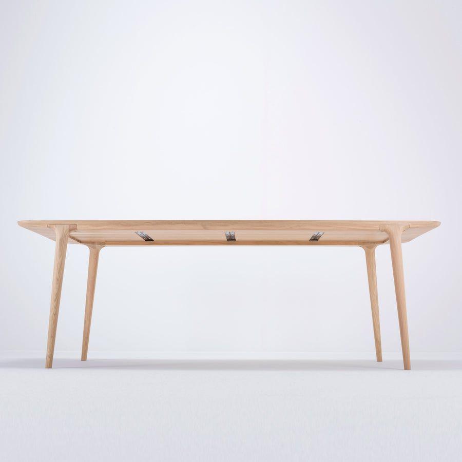 Fawn Table in Solid Oak