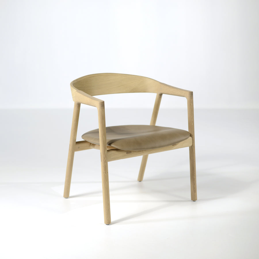 Muna Lounge Chair