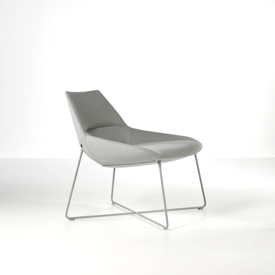 Inclass Dunas XL,  Low Back Rod Base Armchair, profile turned, © Spencer interiors Inc.
