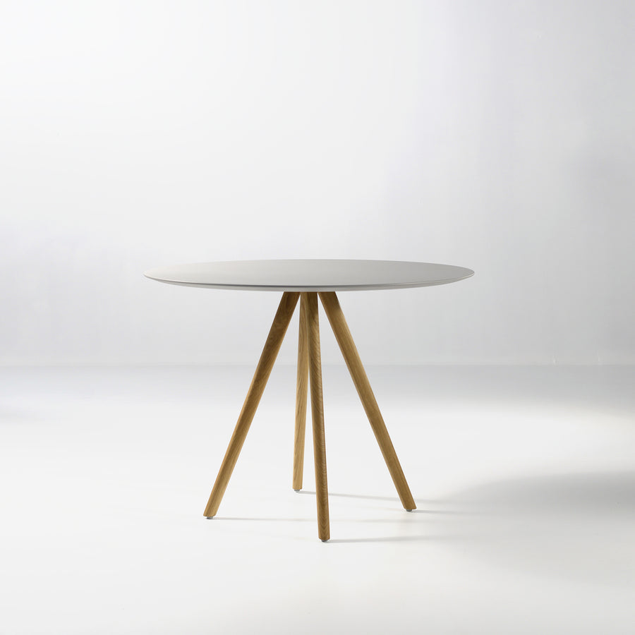Inclass Stiks Round Table, Matt Lacquer Top, © Spencer Interiors Inc.
