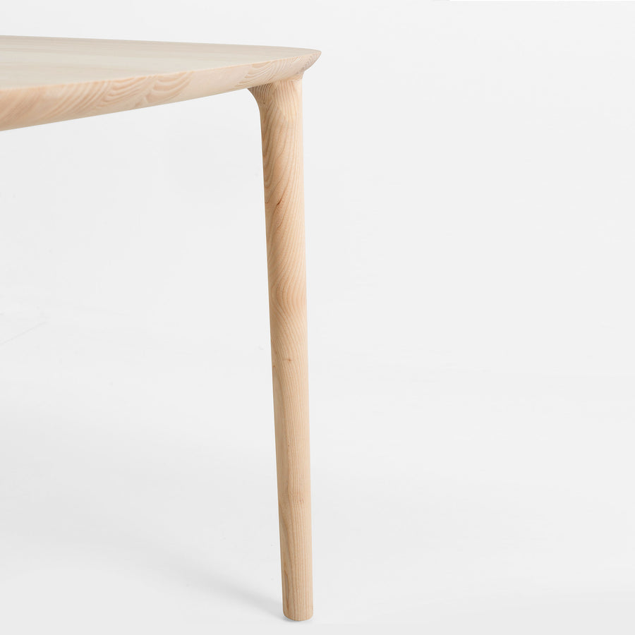 MS&Wood Elle Table in solid wood, leg detail | Spencer Interiors