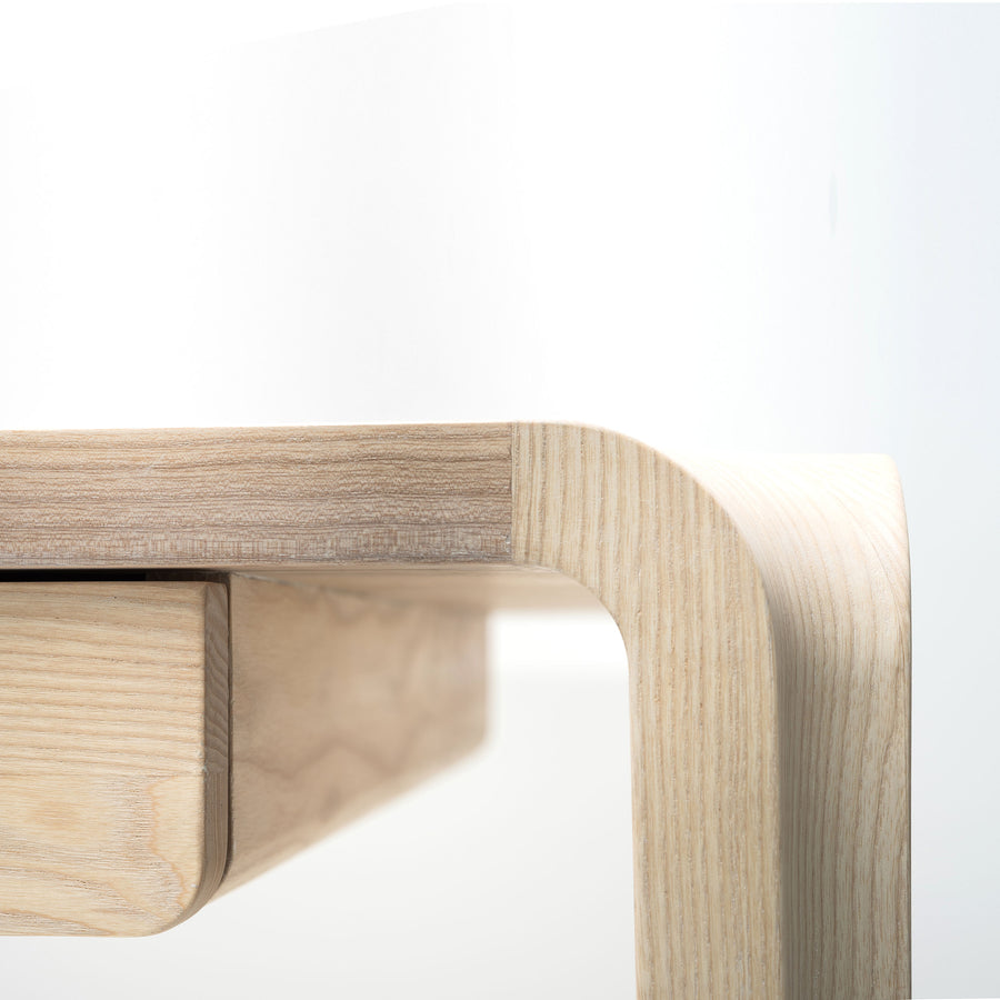 MS&Wood Primum Desk in solid wood, detail | Spencer Interiors