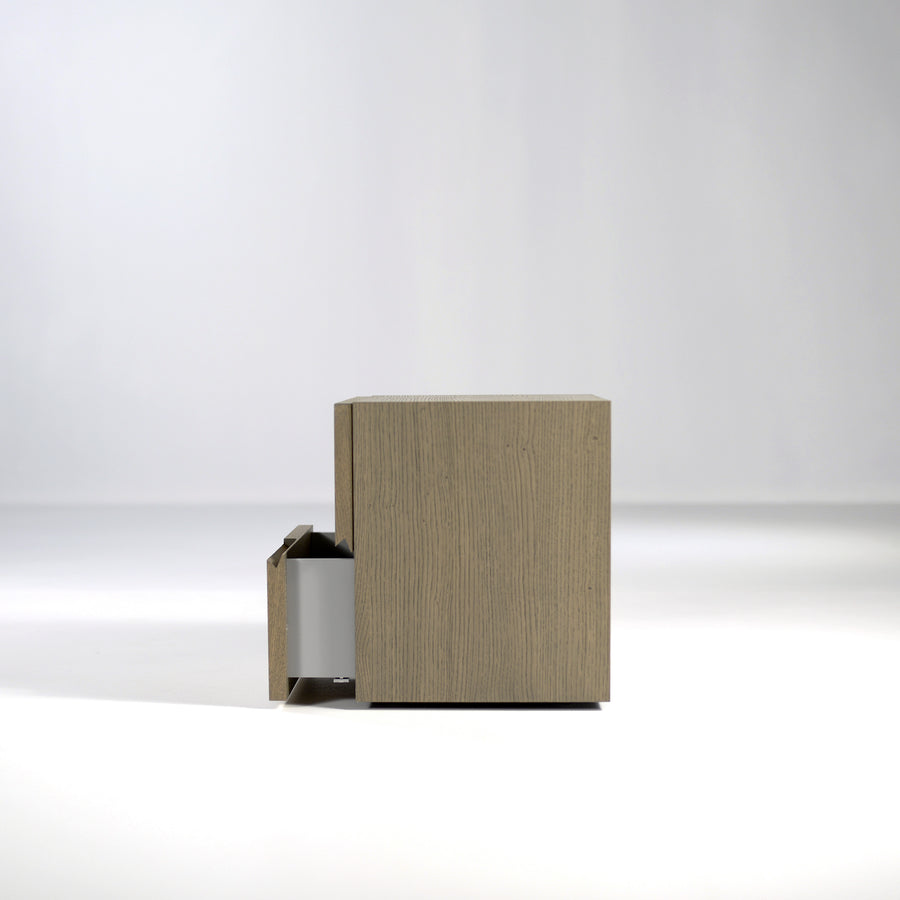 Pianca Segno Nightstand, side view, © Spencer Interiors Inc.
