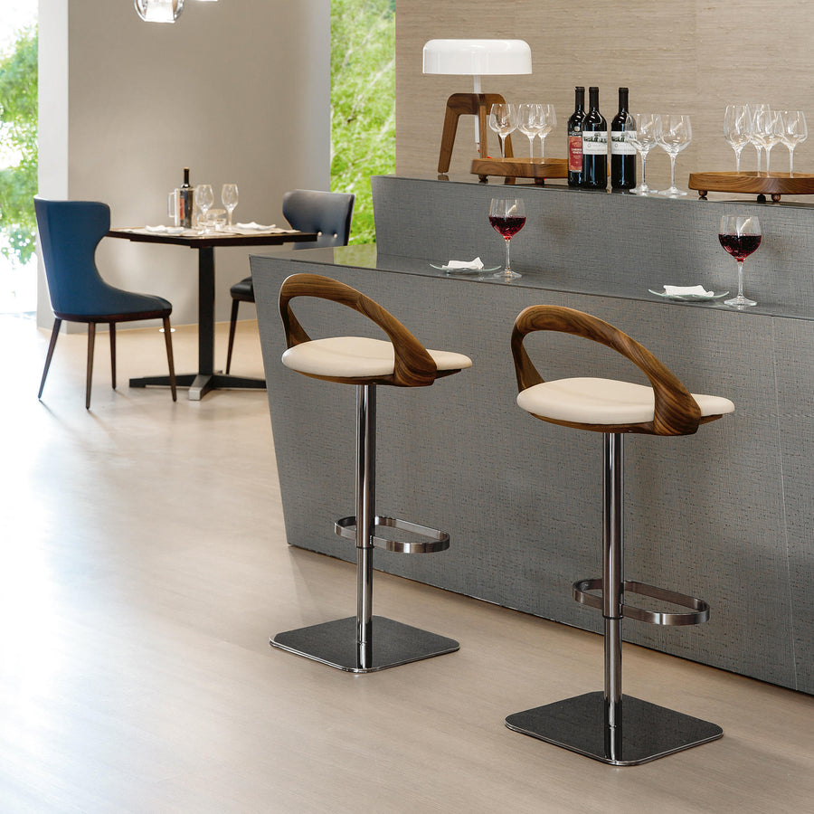 Porada Ester Stool in solid Walnut, ambient 2, made in Italy